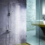 Columna de ducha termostática extralarga QUAD Quad, con tubo extensible de 100 a 150 cm. Rociador extraplano de 20cm